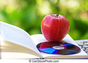 manzana, libro, abierto, dvd, maduro