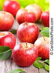 manzanas, con, hojas