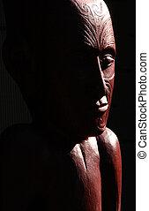 Maori Carving on a Marae - Traditional Maori wall carvings ...