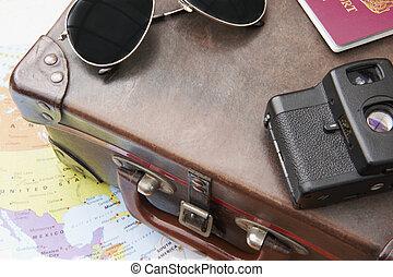 mapa, antigas, óculos de sol, câmera, mala, américa