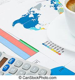 mapa, kawa, finansowy, filiżanka, na, -, do góry, wykresy, świat, zamknięcie, kalkulator, strzał