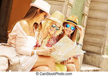 mappa, gruppo, città, usando, amici ragazza