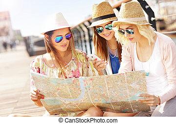 mappa, gruppo, turisti, usando, città