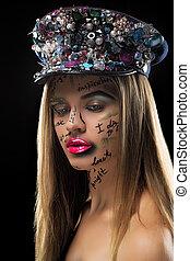 maquilagem, loura, chapéu, olhar, moda, bonito, lábios, cor-de-rosa, rosto, alto, mulher, palavras, luminoso, elegante, jóias, escrito