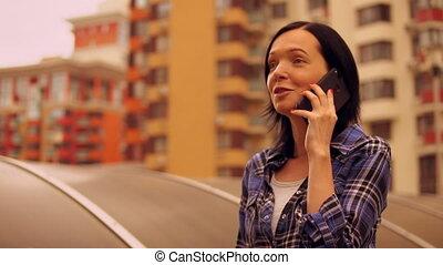 maquillage, gratuite, femme parler, sur, téléphone