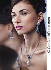 maquillage, professionnel, poser, mode, beau, portrait, modèle, jewelry., coiffure, charme, exclusif