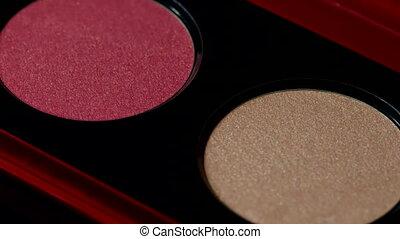 maquillage, rougir, palette, -, produits de beauté, macro, figure, rotates., beauté, détaillé, beauté, artiste, peau, instruments, highlighter, concept., footage.