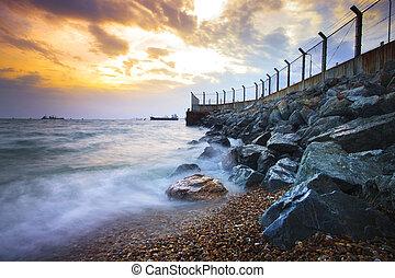 mar, scape, en, roca, dique, protección, costa, de, onda,...