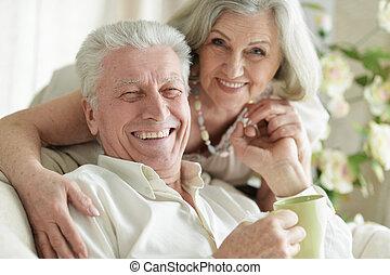 maradék, emberek, tea, két, öregedő, feláll, portré, becsuk, otthon