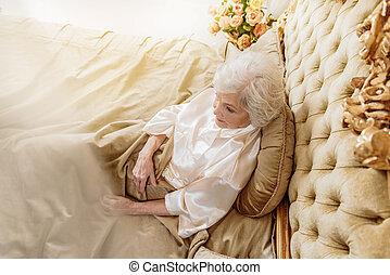 maradék, nő, öreg, gondolkodó, ágy