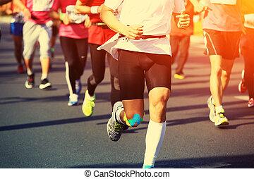 maratoni futás, atléta, combok, futás
