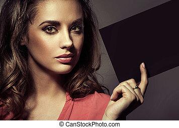 maravilloso, dama, con, perfecto, maquillaje