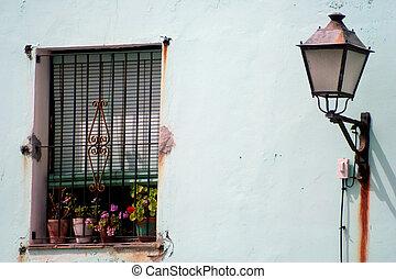 marbella, 窓