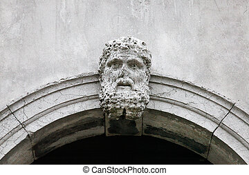 Marble Head Archway Venice - a marble head as a decoration ...