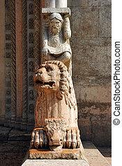 Marble lion - Church of San Giorgio - Ferrara