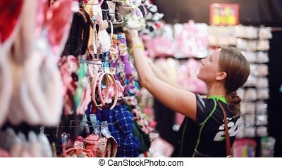 marche, achats femme, centre commercial, jeune, tries, séduisant, headband., 1920x1080