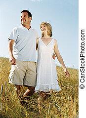 marche couples, dehors, sourire
