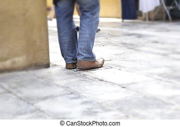 marche, dans, chaussures, sur, trottoir, dans parc