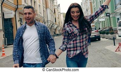 marche, entiers, couple, longueur, trottoir, sourire