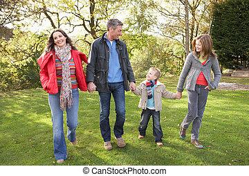 marche, famille, parc, jeune, par, dehors