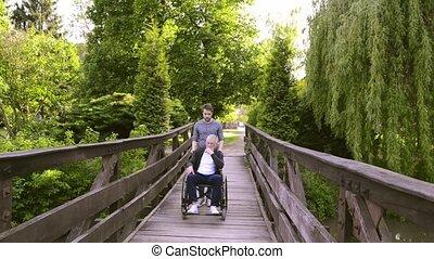 marche, fauteuil roulant, père, fils, handicapé, park., hipster