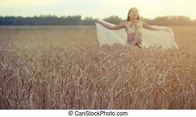 marche, femme, blé, maïs, jeune, main, champ, slowmotion., toucher, field., coucher soleil, girl, hd, 1920x1080, oreilles