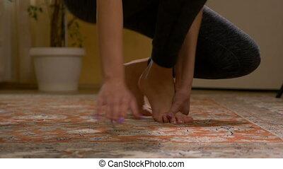 marche, femme, douleur, jeune, entorse, bas, pied, soudain, ...