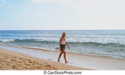 marche, femme, plage, 4k