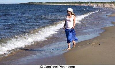 marche, femme, plage, jeune