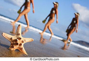 marche, femme, plage