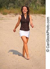 marche, femme, sable, heureux