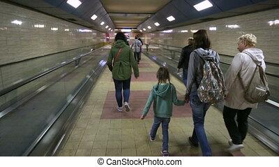 marche, gens, métro