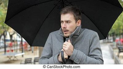 marche, hiver, obtenir, pluie, sous, froid, homme