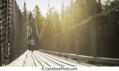 marche, jeune adulte, pont, pendre