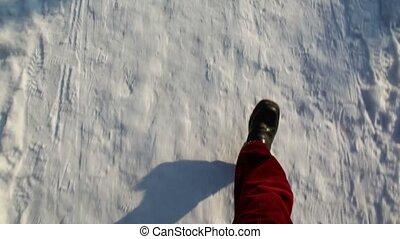 marche, mises route neige, noir, jambes, pantalon rouge