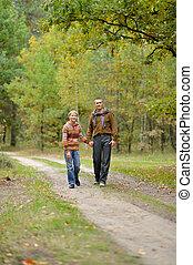 marche, père, fils, forêt automne, route