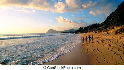 marche, plage, 4k, touristes