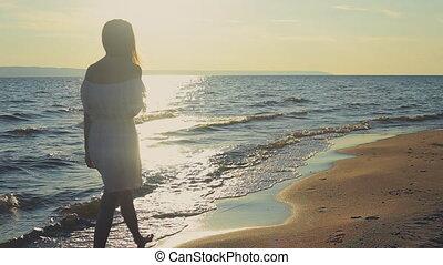 marche, plage, jeune fille
