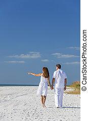 marche, pointage femme, couple, plage, vide, homme