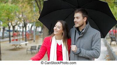 marche, pointage, loin, pluie, sous, couple