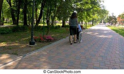 marche, sien, épouse, fauteuil roulant, jeune homme