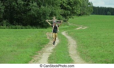 marche, sien, fille, cou, séance, père, route