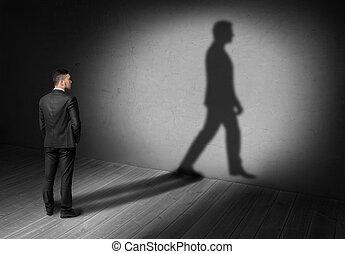 marche, sien, mur, dos, regarder, homme affaires, ombre, vue