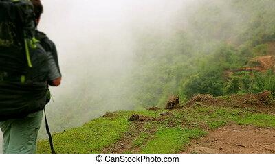 marche, touriste, népal, trekking, mâle, caucasien, montagnes, himalaya