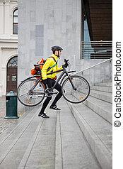 marche, va bicyclette courrier, sac à dos, haut, livraison, étapes, homme