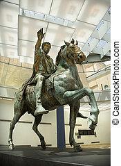 Marcus Aurelius statue. - Marcus Aurelius on horse statue in...