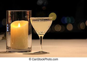 margarita, cocktail, mit, limonellescheibe, und, salzig, rand
