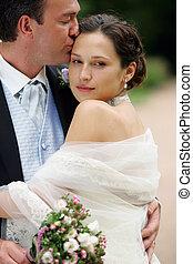 mariée, dans, robe blanche, à, palefrenier