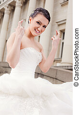 mariée, doigts traversés, heureux