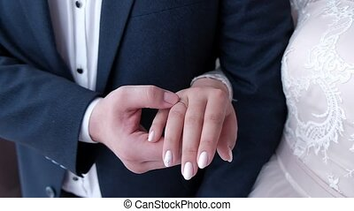 mariée, mains, anneaux, mariage, palefrenier, prise, exposition, leur